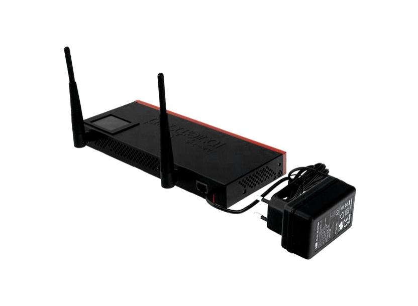 Mikrotik RB2011UiAS-IN, 5xEthernet, 5xGigabit Ethernet, USB, LCD, PoE out on port 10, 600MHz CPU, 128MB RAM, RouterOS L5, Desktop metal case 1
